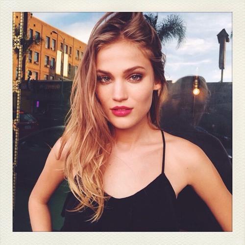 Abby Zamora's avatar