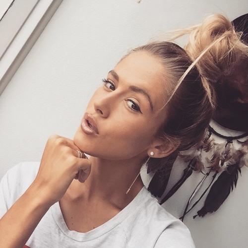 Sasha Strong's avatar