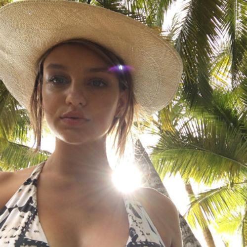 Evie Glover's avatar