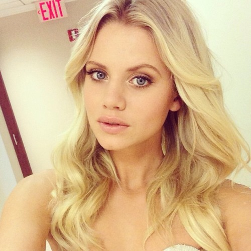 Rachel Hays's avatar