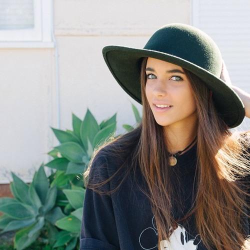 Chloe Brady's avatar