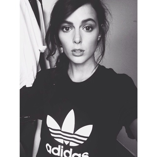 Julia Novak's avatar