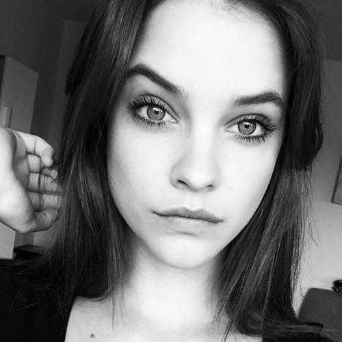 Ashlyn Mooney's avatar