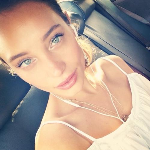 Amanda Hampton's avatar