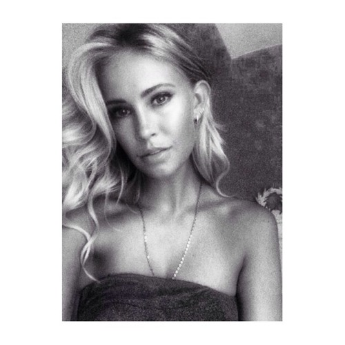 Olivia Hester's avatar