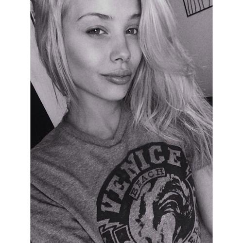Claire Vaughn's avatar
