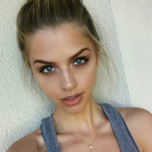 Megan Mitchell's avatar