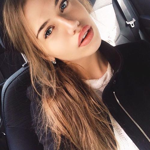 Rebecca Hall's avatar