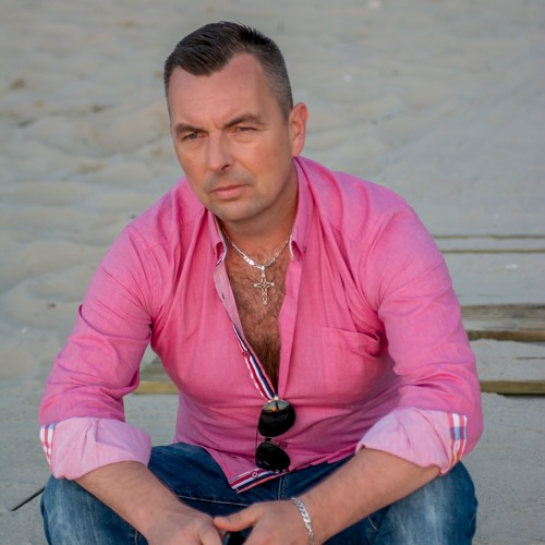 MAXISTUDIO's avatar