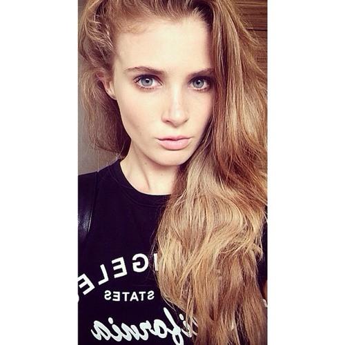 Annie Cross's avatar