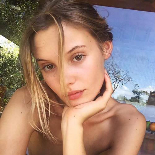 Vanessa Leonard's avatar