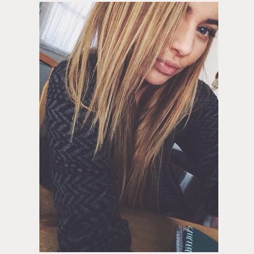 Laura Benton's avatar