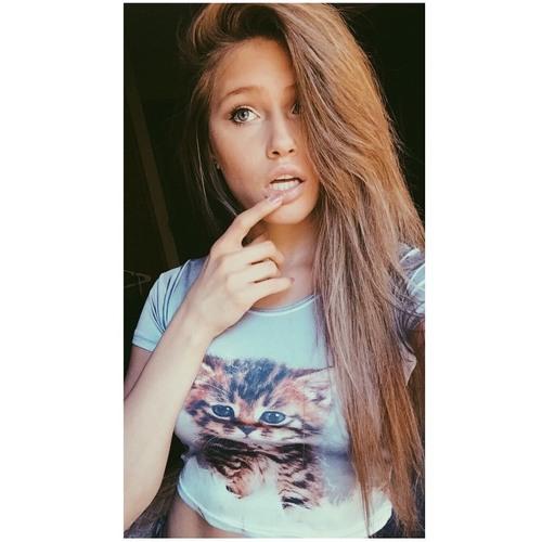 Lily Warren's avatar