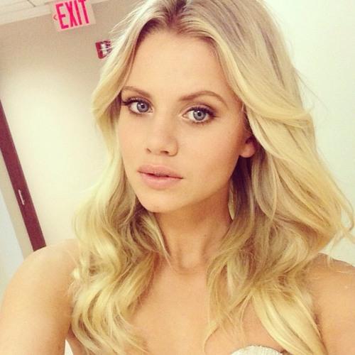 Danielle Mills's avatar