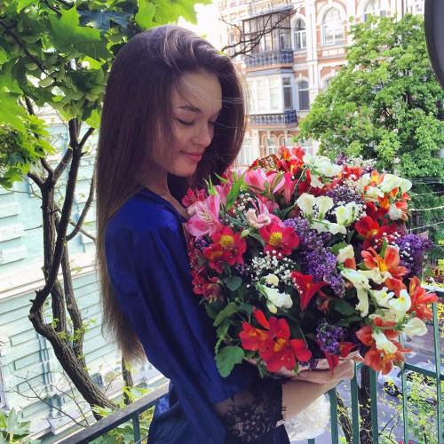 Briana Powers's avatar