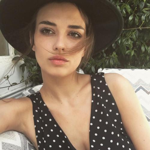 Mila Ramos's avatar