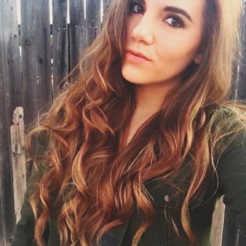 Danielle Warner's avatar