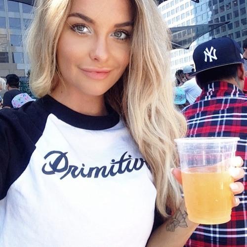 Sophia Burton's avatar