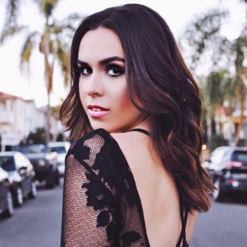 Chloe Tate's avatar