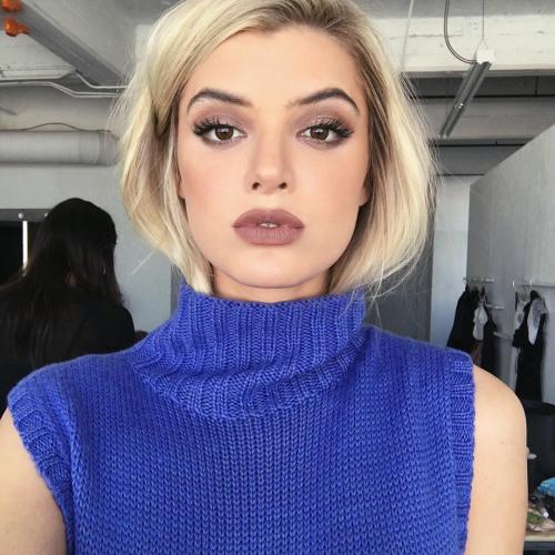 Vanessa Cook's avatar