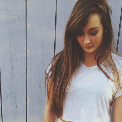 Cassandra Leigh's avatar