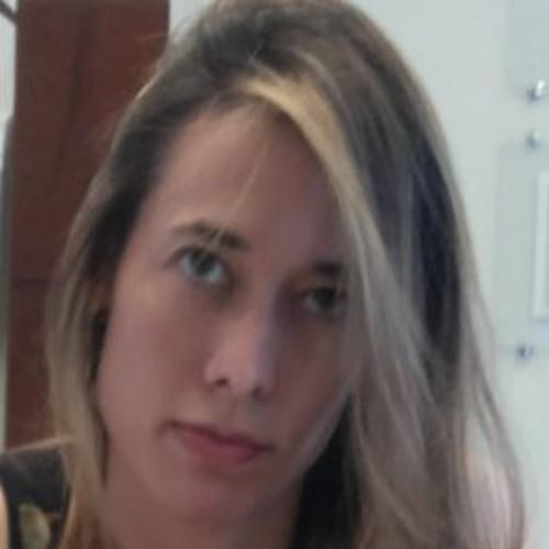 Leticia Muniz's avatar