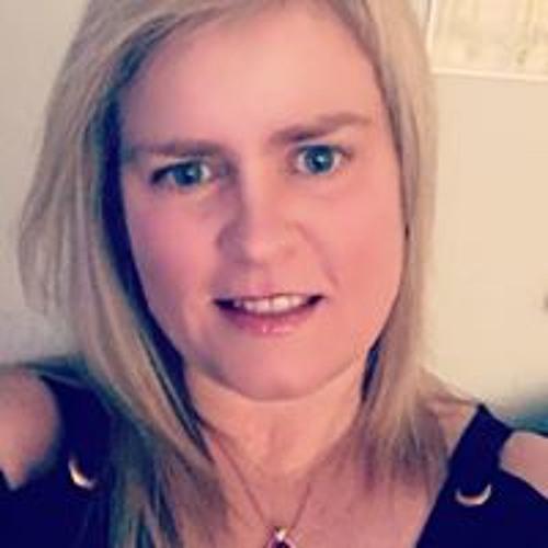 Elizabeth Carson's avatar