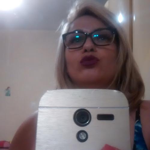 Aline Rosa's avatar