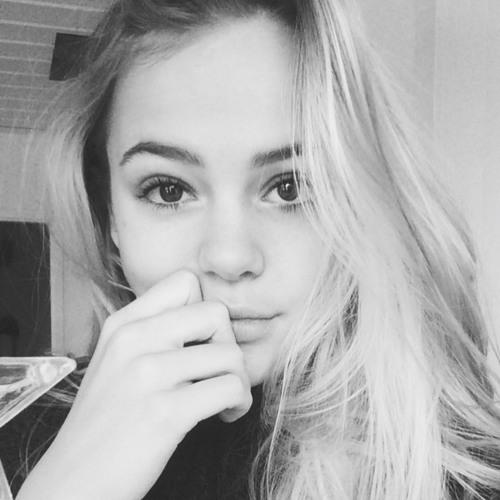 Becca_Ze's avatar