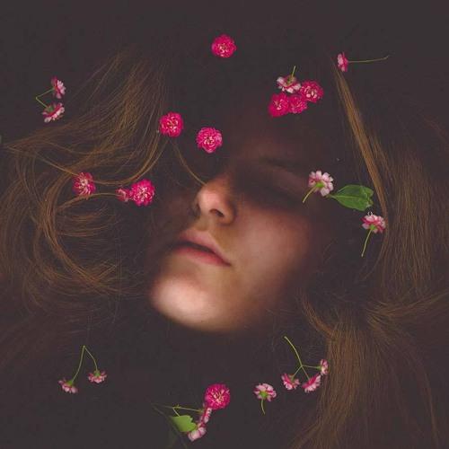 erica garnier's avatar