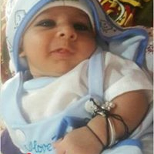 Nida Khan's avatar