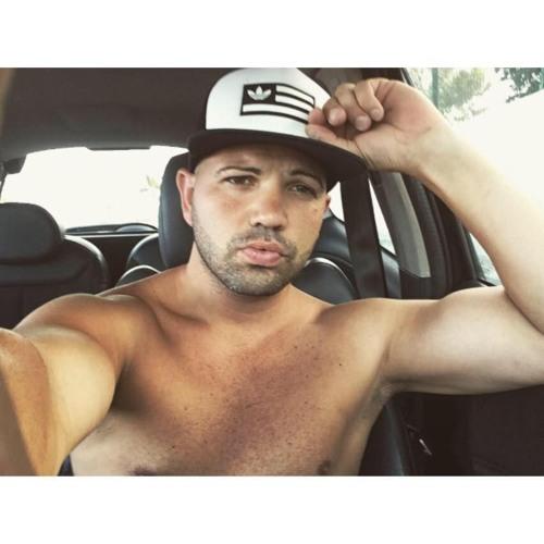 Jonas Caceres-'s avatar