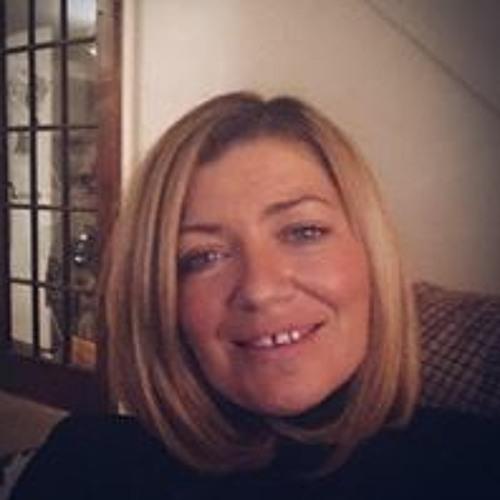 Sarah Hurst's avatar