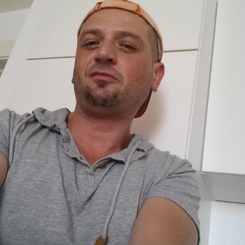 Gepe Tuzzo's avatar
