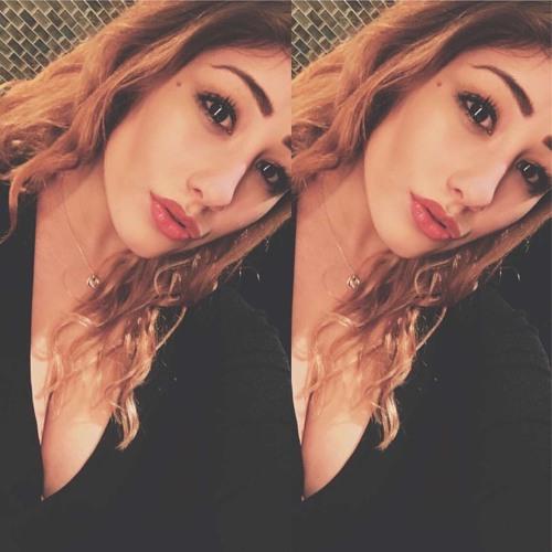 Lizzie Lomas's avatar