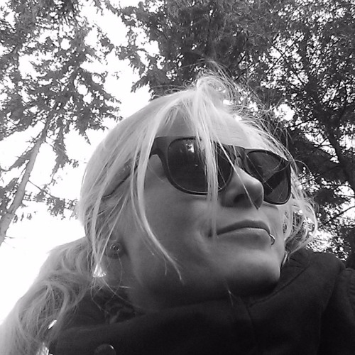 Jessie LötZinn's avatar