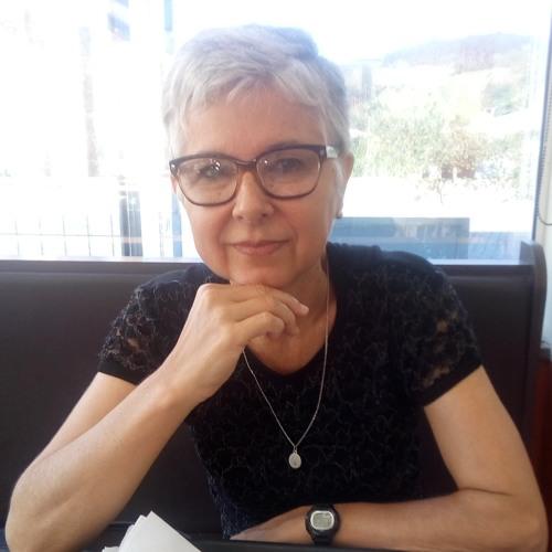 Lucia Barden Nunes's avatar