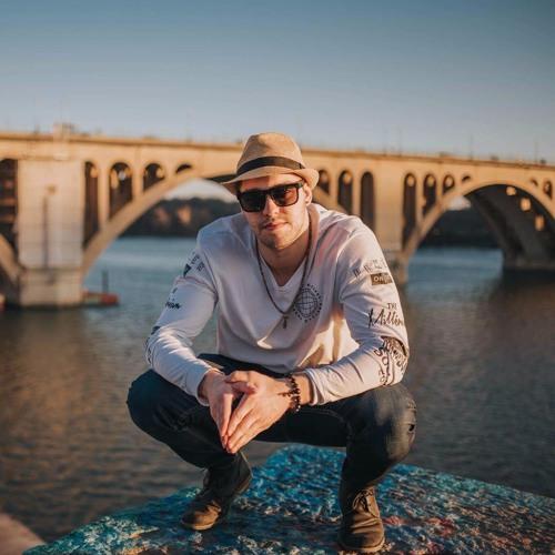 DJ Zelloe's avatar