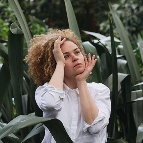 Ella Squirrell's avatar