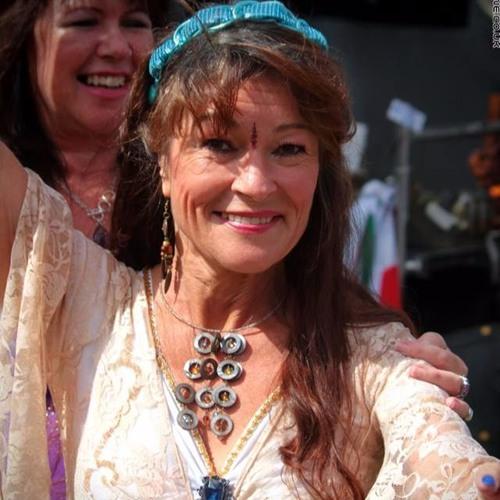 Deborah Jane's avatar