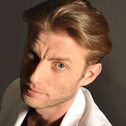 Thomas Centaro's avatar