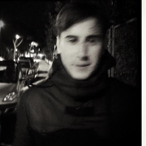 Lorenzo Pezzella's avatar