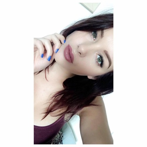 Carol Rebeiro's avatar