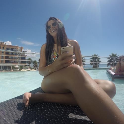 Sibelle Dias's avatar
