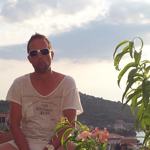 CHRIS RHYTHM's avatar