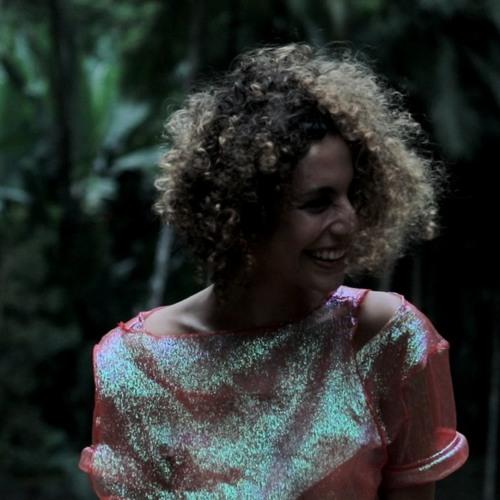 Luiza Lian's avatar