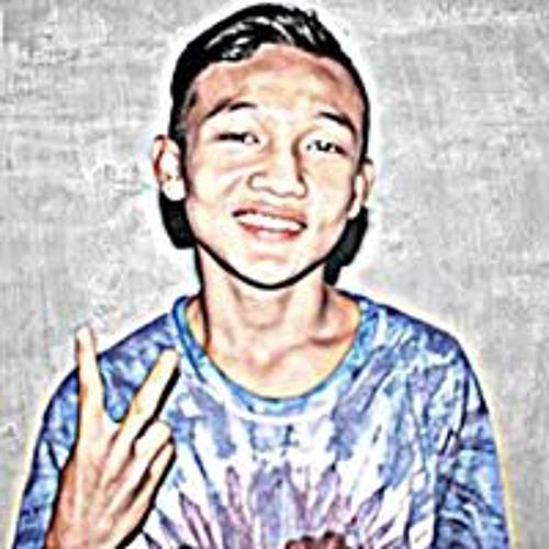 Rḕzå Đtṃ's avatar