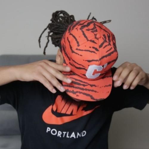 Henny L.O.'s avatar