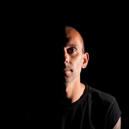 Alvaro M's avatar