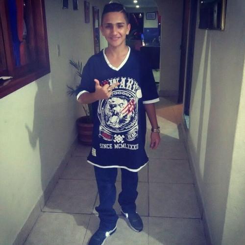 Andres Villada's avatar